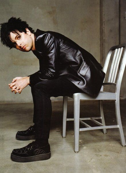 """Billie Joe's only 5' 7"""", so he wears Creepers to give him a height boost. :)"""