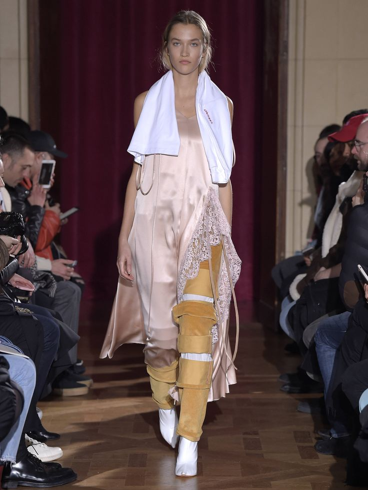Y/PROJECT AW17 WOMENS LOOK 10