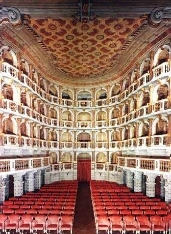 Mantova: Teatro Bibena in Mantova, Italy is the most delightful tiny theater. It is said that Wolfgang Amadeus Mozart inaugurated the theatre with a concert in 1770. 1972 renovations. I won the Concorso Internationale Voltolini there. >>> Scopri le Offerte!