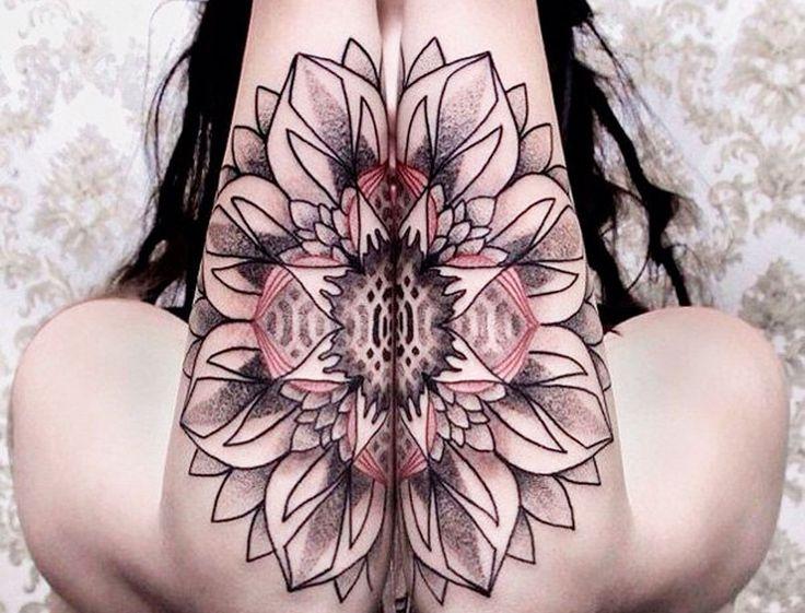 Ben noto Oltre 25 fantastiche idee su Tatuaggio mandala su Pinterest | Loto  AY34