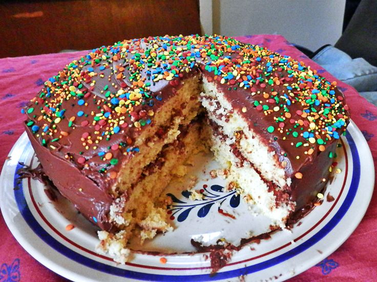 5 Awesome and easy vegan cakes with typical grocery store products (nothing esoteric needed)