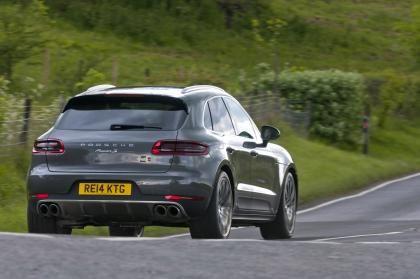 Porsche Macan Diesel rear action