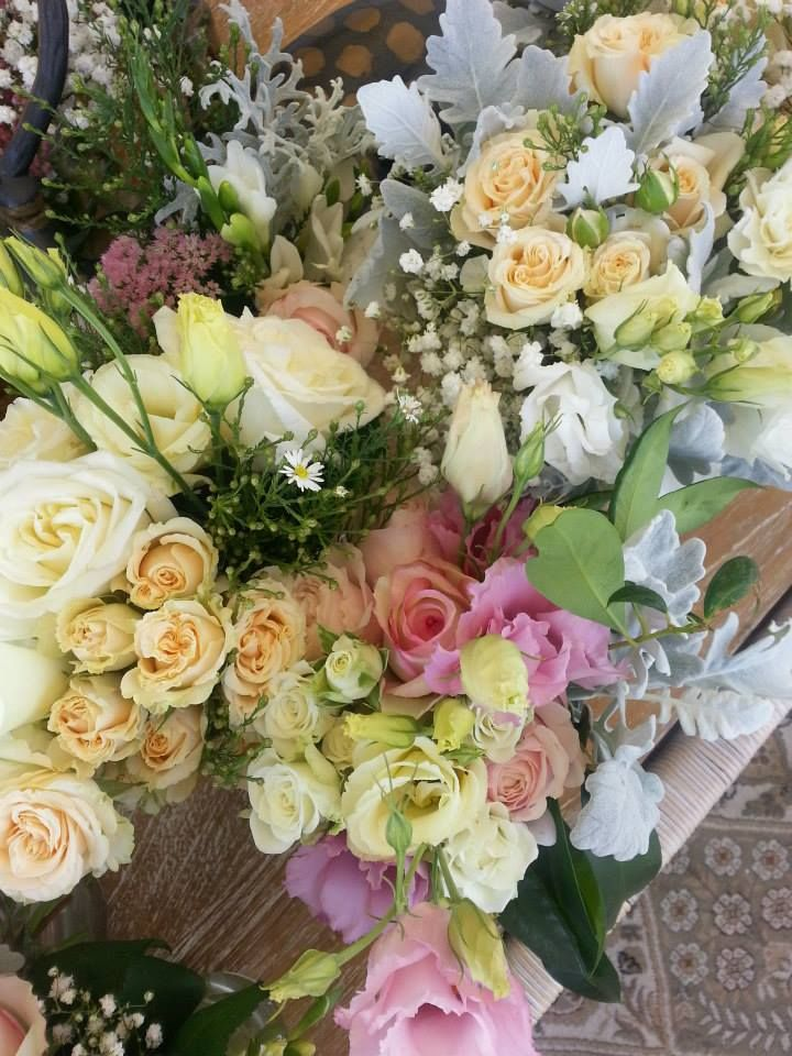 || Beautiful Blooms by Hannah Etherington Flowers || http://timessquare.com.au/lifestyle-and-food/hannah-etherington-flowers || #timessquareclaremont #stmdesignerbridalhightea #flowers #nature #bridal #wedding #bride #beautiful #pretty #designer #wadesigners #walabels #avionway