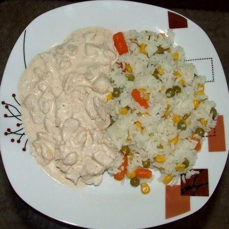 Egy finom Fokhagymás-tejfölös csirkemell ebédre vagy vacsorára? Fokhagymás-tejfölös csirkemell Receptek a Mindmegette.hu Recept gyűjteményében!