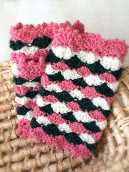 簡単にできちゃう♪かぎ針編みで作る指出しミトンで手元あったか♡