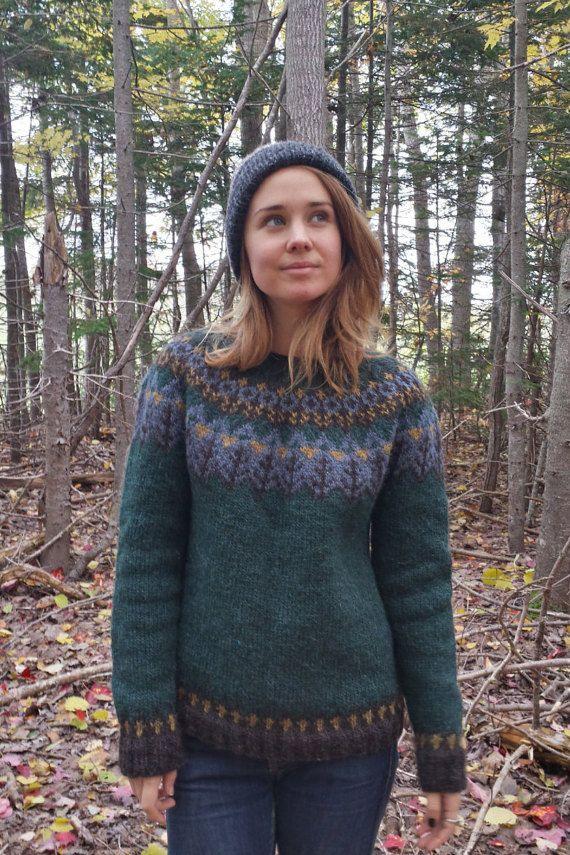 Icelandic Sweater / Lopapeysa Women Hand Knit in Bottle Green