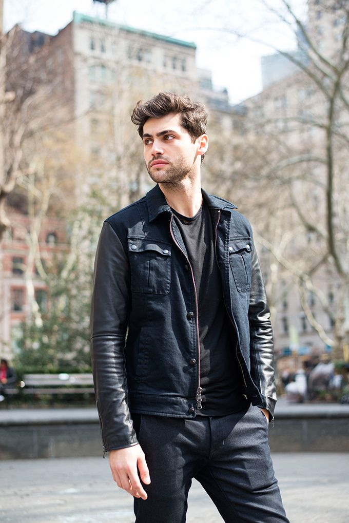 We meet New Yorker Matthew Daddario star of the Freeform fantasy series 'Shadowhunters' and chat abut his journey to acting and about the new season of demi-angel on demon action.