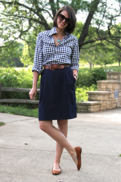 {gingham love}#Repin By:Pinterest++ for iPad#: Buttondown Shirts, Gingham Shirts, Brown Leather, Business Casual Outfits, Summer Work Outfits, Pencil Skirts, Leather Belts, Brown Flats, Navy Skirts