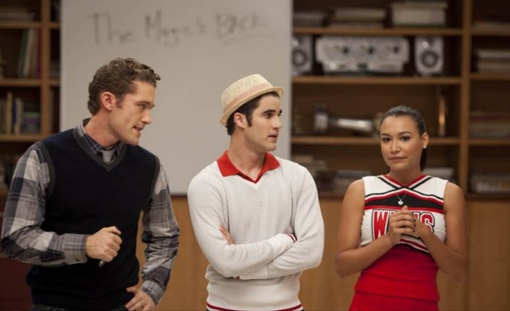 Ooh wow the boys look seriously pissed..stuff you boys, Santana will RULE YOU ALL!