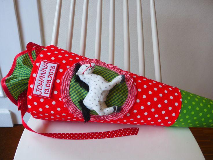 Schultüten - PFERD Schultüte später Kissen - ein Designerstück von maximino bei DaWanda