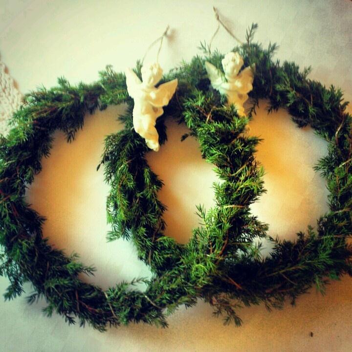 Angel wreaths