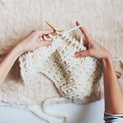 les 25 meilleures id es de la cat gorie point de tricot fantaisie sur pinterest tricot. Black Bedroom Furniture Sets. Home Design Ideas