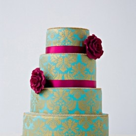Love the #damask #pattern on this #aqua and #brown #cake