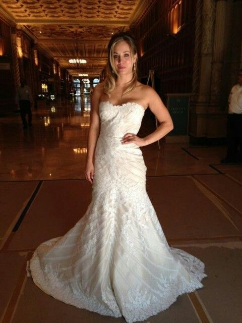 Kaley Cuoco's wedding dress in The Wedding Ringer ...