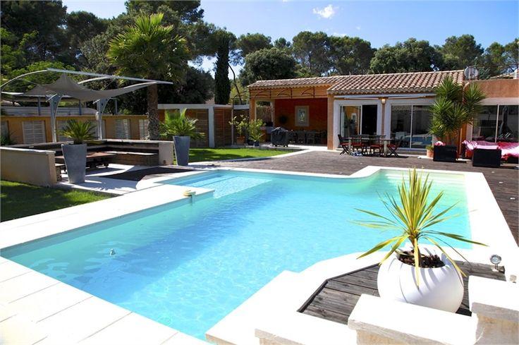 Magnifique villa actuellement en vente en exclusivité et à l'essai sur Capifrance.fr située à Boissières à 15 minutes de Nîmes et 30 minutes des plages. Plus d'info Arnaud Brevet - Conseiller en immobilier Capifrance)