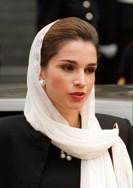 Ratu Yordania Iri Dengan Indonesia