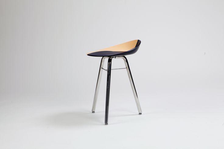 실용성에 가치를 더한 스툴  #T_stool #JaeWoongLee #상명대학교 #산업디자인 #제품디자인 #가구디자인 #졸업전시회 #졸전 #플럭서스 #변화 #흐름 #컨셉 #가구 #의자 #스툴 #작업 #furniture #fluxus #flow #flux #concept #design #stool #chair #industrial #product #image #2016 #13th #degreeshow