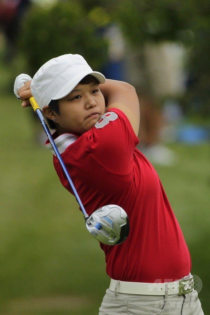 女子ゴルフ米国ツアーメジャー第4戦、全米女子プロ選手権(Wegmans LPGA Championship 2014)3日目。2番でティーショットを打つ野村敏京(Haru Nomura、2014年8月16日撮影)。(c)AFP/Getty Images/Hunter Martin ▼17Aug2014AFP|リンシコームが1打差で首位守る、全米女子プロ http://www.afpbb.com/articles/-/3023251 #Wegmans_LPGA_Championship_2014 #Harukyo_Nomura #Haru_Nomura