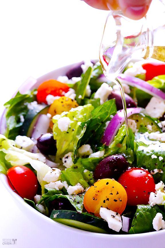 Greek Salad with Garlic Lemon Vinaigrette | gimmesomeoven.com