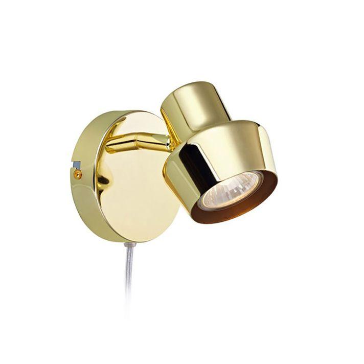 Urn väggspot i metall från Markslöjd. Strömbrytare på väggplattan. GU10 lamphållare för max 35W halogen eller motsvarande i LED. 2m sladd. Ljuskälla medföljer ej.