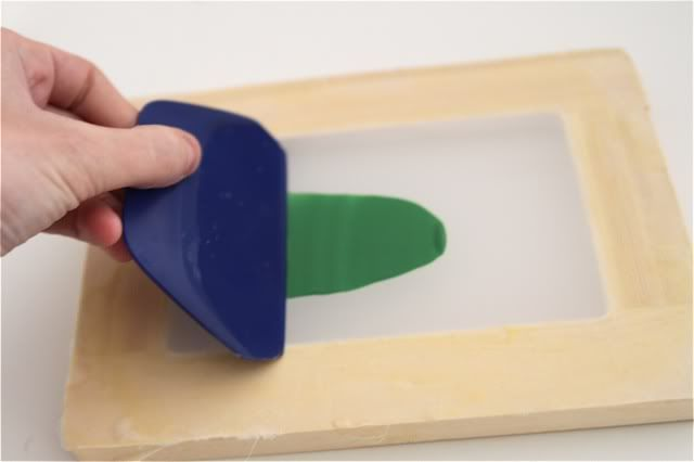 How to make your own mini silk screens.  I'm so doing this!