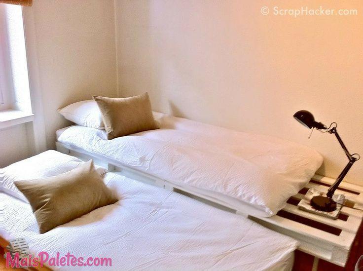 Cama de solteiro feita com paletes de madeira pallets - Sofa de pallet ...