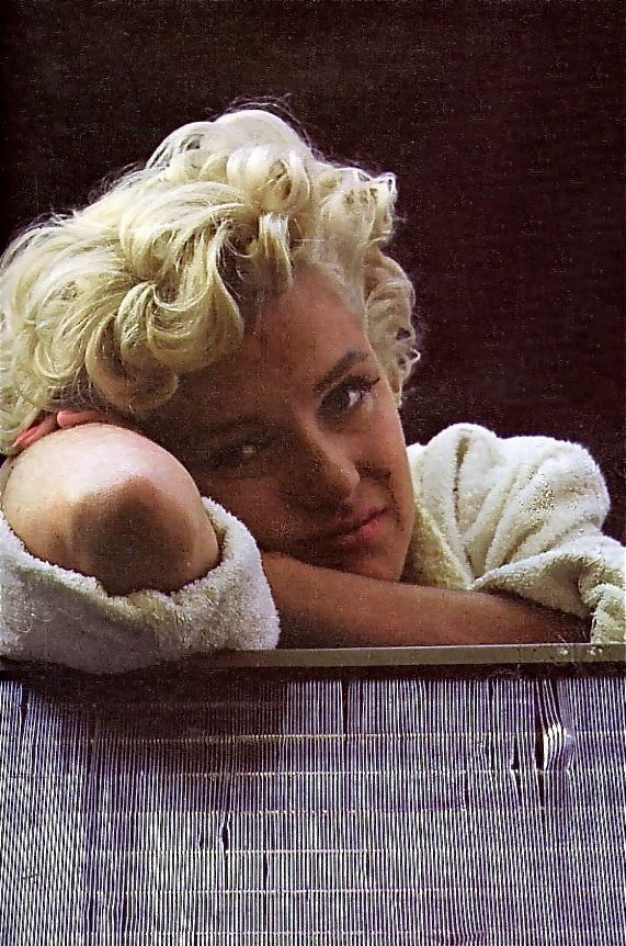 Quiet moment, Marilyn Monroe