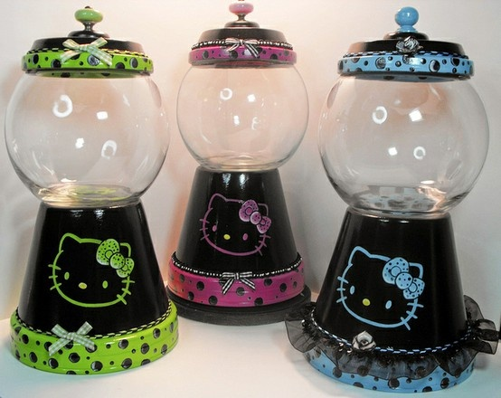 DIY HELLO KITTY gumball machines