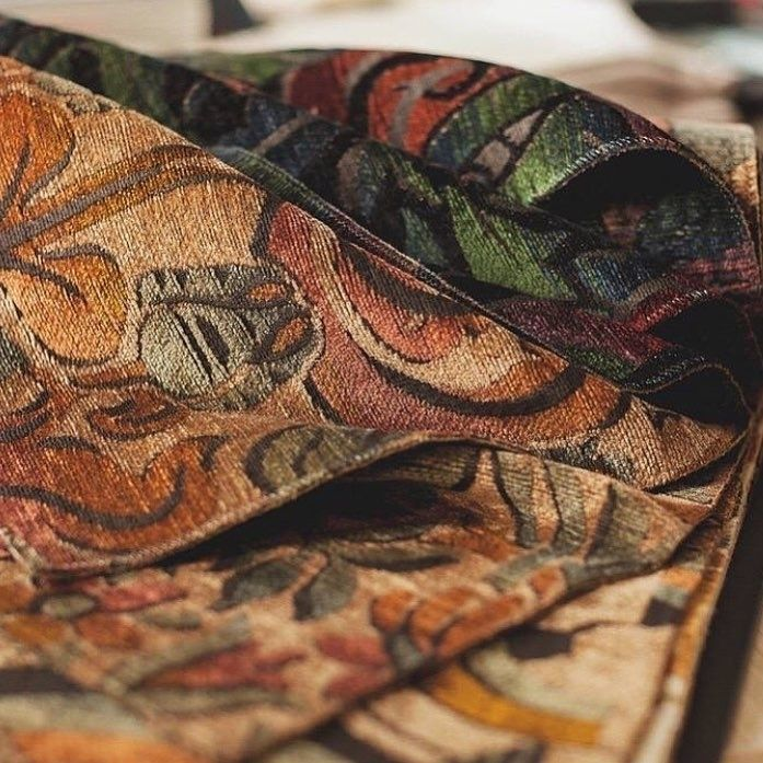 #новинки #Galleria_Arben: #бархат TIFFANY из коллекции Belle Époque компании @casaltissus украшен традиционным для стиля модерн рисунком