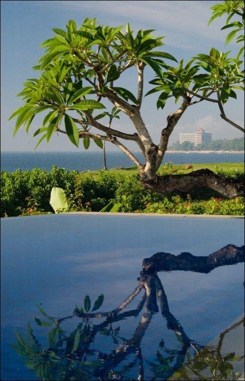 Beach Front villa in #Sanur http://www.balilocations.com/fr/villas/sanur/bvsa1004