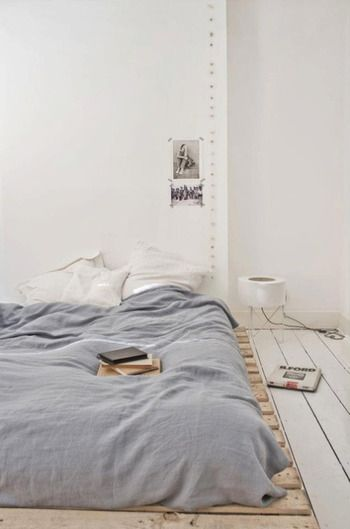 今あるマットレスをローベッド風にアレンジ♪ +αで作る素敵なベッドルーム