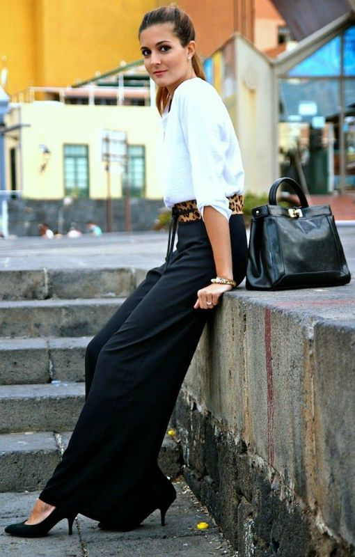 How To Wear palazzo pants: The black palazzo pants gives a more sophisticated look. Via Marianela Hernández  Pants: InLoveWithFashion, Bag: Choies, Blouse: Stradivarius Shoes/Belt: Mango