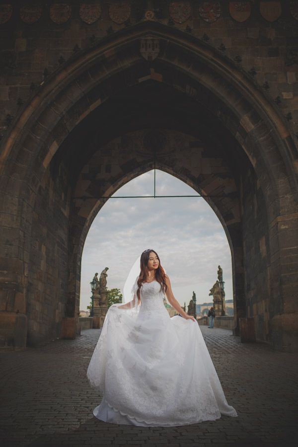 Pre Wedding Best of in Prague: a beautiful sunrise portrait at the Charles Bridge: http://pragueweddingphotography.com