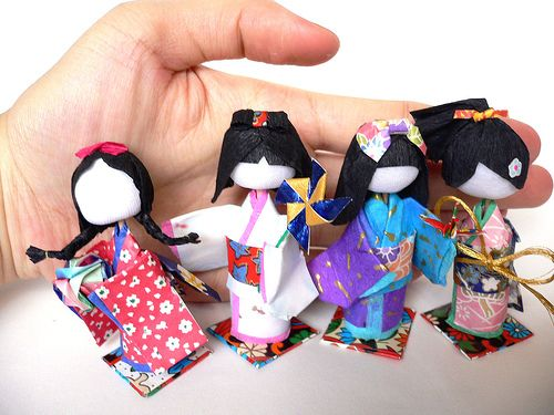 Japanese 3D Paper Dolls (Washi Ningyo) with Tutorial