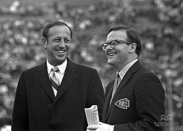 Pete Rozelle and Lamar Hunt at Super Bowl IV