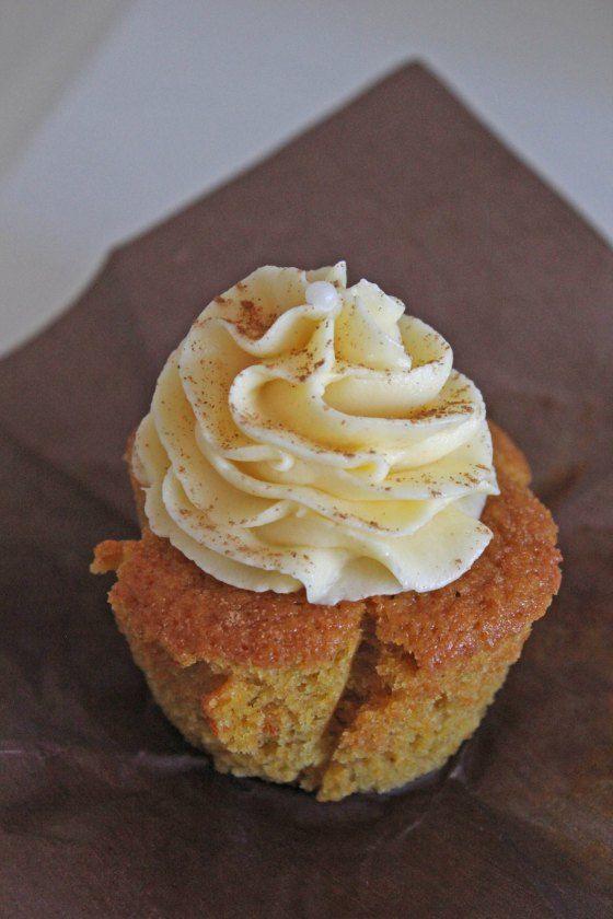 Würzige Kürbis Cupcakes mit Zimt-Frischkäsefrosting