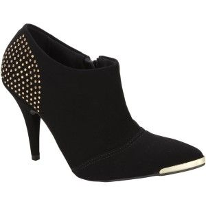 ankle boot com tachas