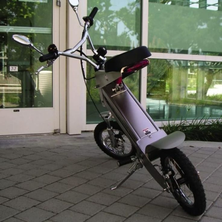 August 22, 2005  The IKOO is without doubt the coolest looking electric scooter we've seen yet – so cool that it featured on all the technology blogs over the l