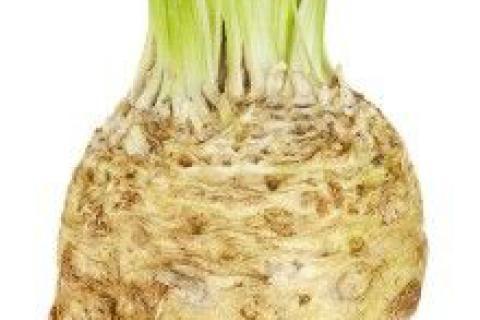 Jak využít celer - jako zeleninu, koření i lék   recept na pomazánku