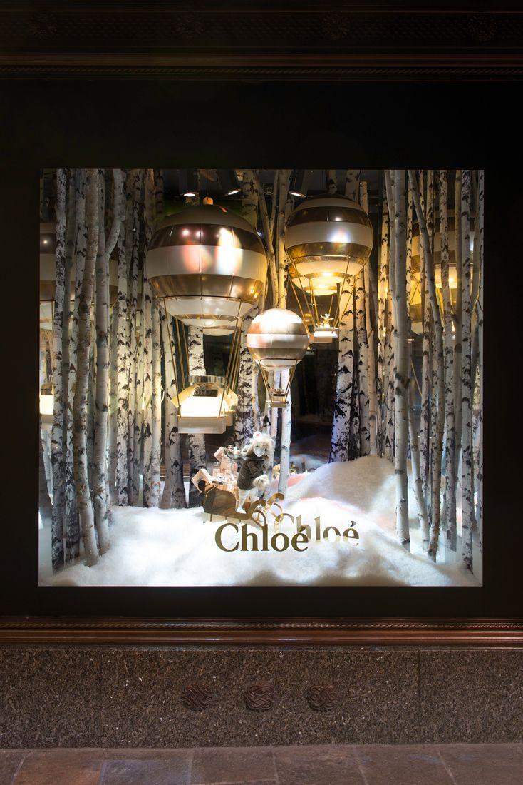 Christmas window painting decorations -  A Trav S De Casa Reinal Harrods Christmas Windows 2014
