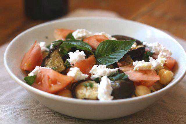 berenjena garbanzos y tomate