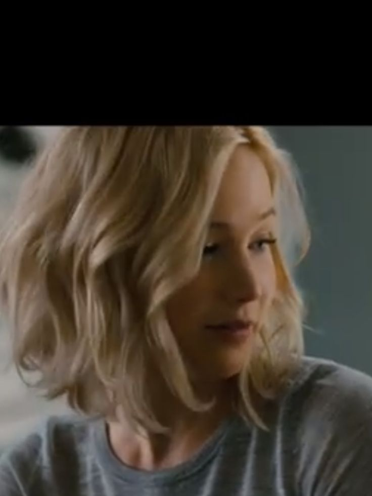 Jennifer Lawrence in Passengers. Love her hair. Obviously.
