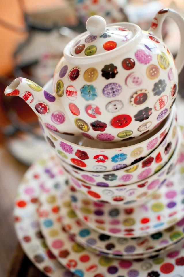 Tea party of buttons- Can't stand how cute and clever this is! Need a tea set (white) to button!!! yay: