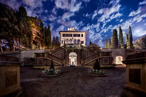 My secret dream, sleeping in the romantic hotel...... for instance in Florencie, Italy.