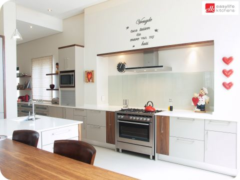 Find your dream kitchen unit today at Easylife Kitchens