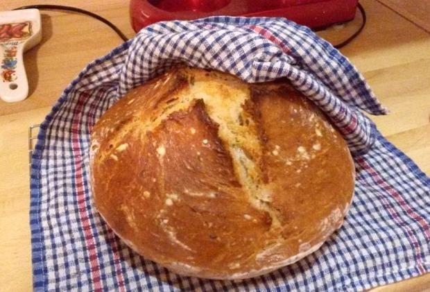 Kváskový chlieb s kefírom a medom - recept