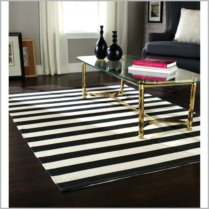 Black And White Striped Rug In 2020 Striped Rug Black And White
