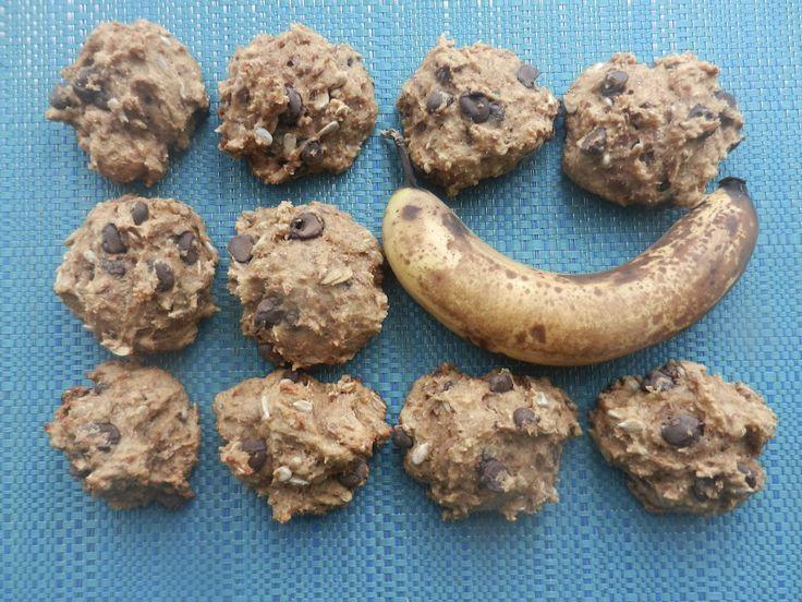 La AhhhBananahhh! (galette banane, tourneseol et chocolat noir). Parce qu'on ne sait jamais quoi faire de différent avec nos bananes trop basanées, voici la AhhhBananahhh. Une recette moelleuse et nourrissante qui nous donne le goût de dire « miam! » à chaque bouchée.