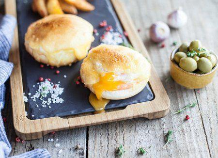 Запеченные яйца-пашот с голландским соусом