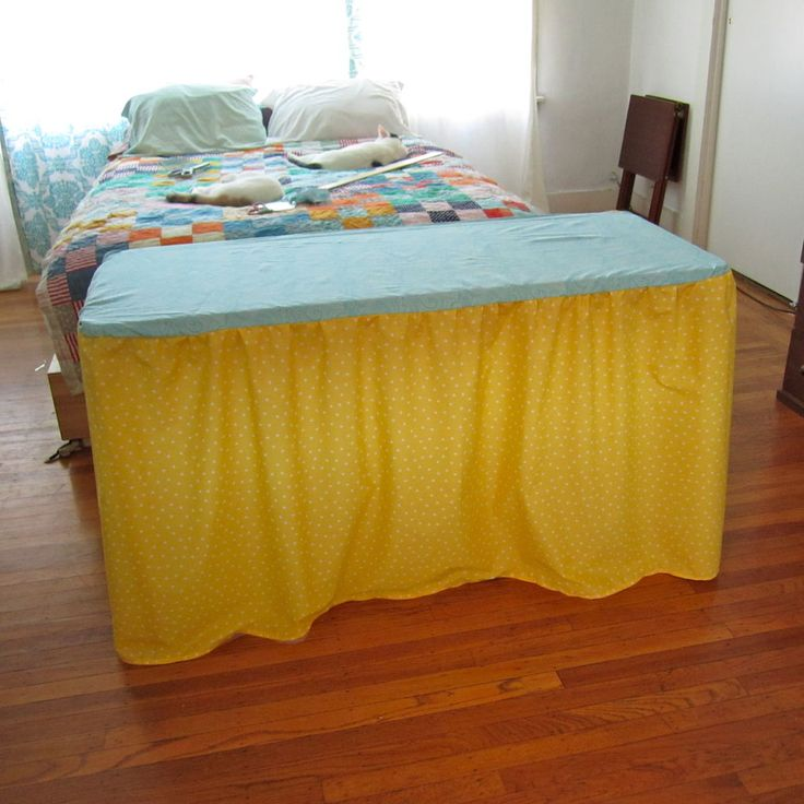 Hey mom...can you make this!? :). How to make table cover for craft show